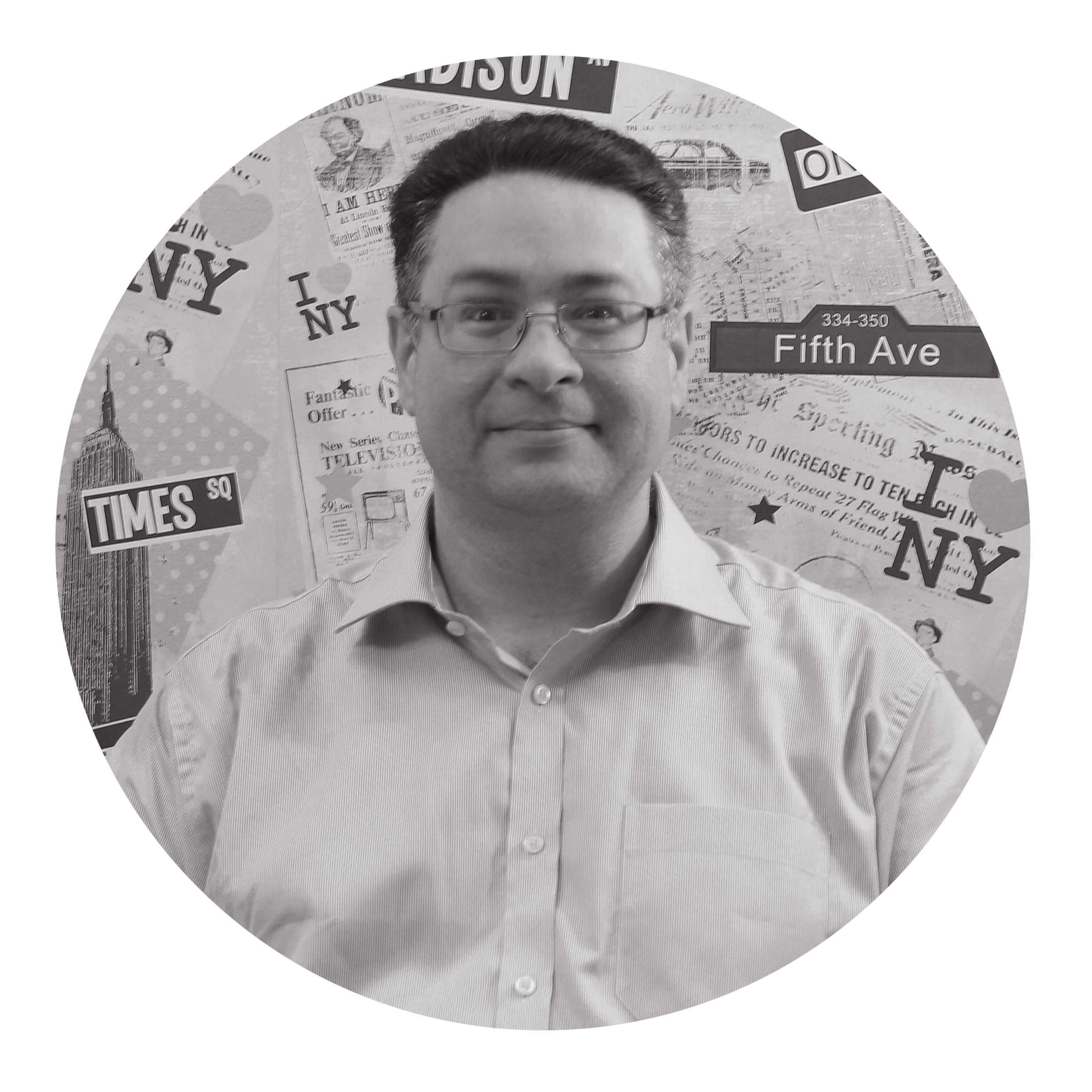 2bad521320f0 Том — преподаватель носитель английского языка из Великобритании ...